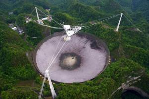 http://astroblog.cl/wp-content/uploads/2016/02/The-Arecibo-radio-telescope-Puerto-Rico.jpg